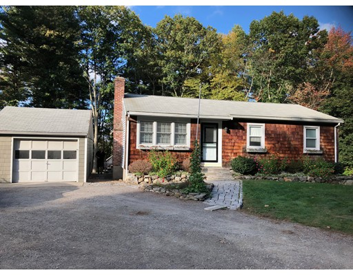 Maison unifamiliale pour l Vente à 115 Harvard Road 115 Harvard Road Littleton, Massachusetts 01460 États-Unis