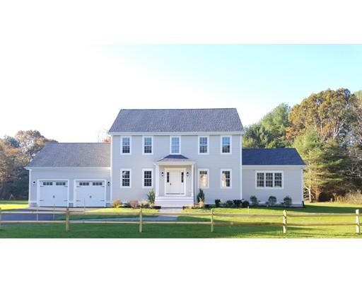 独户住宅 为 销售 在 821 Mayflower Street 821 Mayflower Street 达克斯伯里, 马萨诸塞州 02332 美国