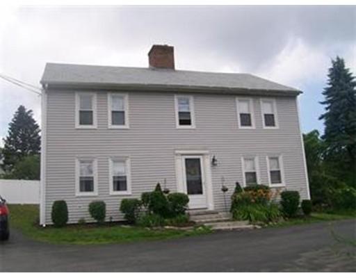 Single Family Home for Rent at 118 Chapel Street 118 Chapel Street Holden, Massachusetts 01520 United States