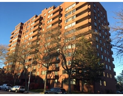 Additional photo for property listing at 77 Adams  Quincy, Massachusetts 02169 Estados Unidos