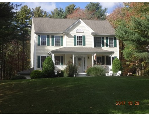 Single Family Home for Sale at 435 Middle Road 435 Middle Road Acushnet, Massachusetts 02743 United States