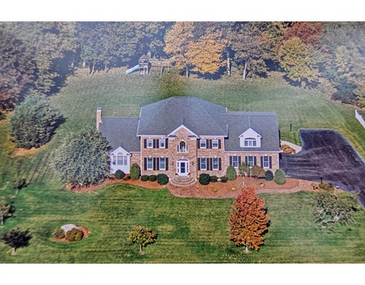 Single Family Home for Sale at 11 Northern Spy Road 11 Northern Spy Road Franklin, Massachusetts 02038 United States
