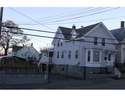 独户住宅 为 销售 在 508 Haverhill Street 508 Haverhill Street Lawrence, 马萨诸塞州 01841 美国
