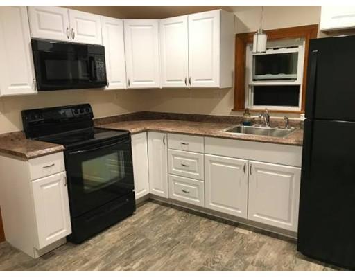 Casa Unifamiliar por un Alquiler en 295 Rumney Road Revere, Massachusetts 02151 Estados Unidos