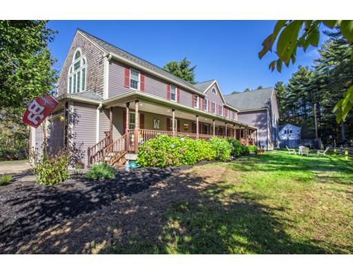 Maison unifamiliale pour l Vente à 1430 South Street 1430 South Street Bridgewater, Massachusetts 02324 États-Unis