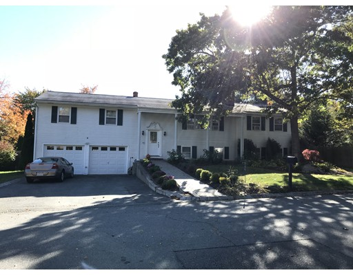 146  Country Dr,  Somerset, MA
