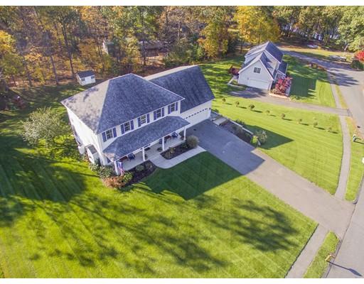 Частный односемейный дом для того Продажа на 3 Tigger Lane 3 Tigger Lane South Hadley, Массачусетс 01075 Соединенные Штаты