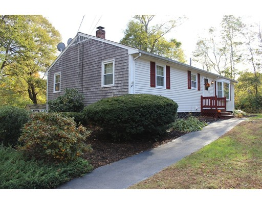 Single Family Home for Sale at 5 Highland Road Lakeville, Massachusetts 02347 United States
