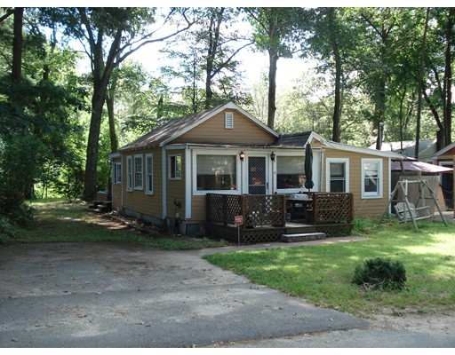Single Family Home for Sale at 4 YALE ROAD 4 YALE ROAD Hopkinton, Massachusetts 01748 United States