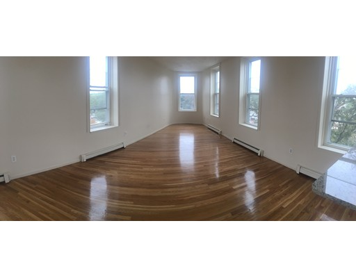 Single Family Home for Rent at 124 Winnisimett Chelsea, 02150 United States