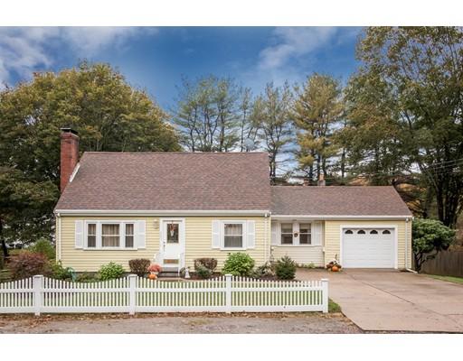 واحد منزل الأسرة للـ Sale في 303 Plain Street 303 Plain Street Millis, Massachusetts 02054 United States