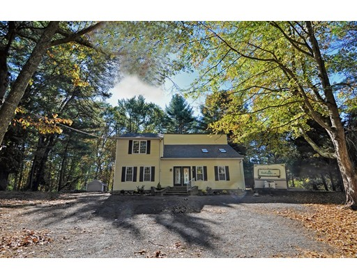 Single Family Home for Sale at 433 Britton Street Raynham, 02767 United States