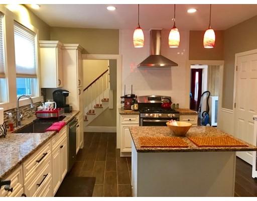 Частный односемейный дом для того Аренда на 7 JOY Street 7 JOY Street Waltham, Массачусетс 02451 Соединенные Штаты