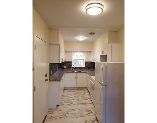独户住宅 为 出租 在 169 Lake shore 波士顿, 马萨诸塞州 02135 美国