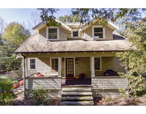 Maison unifamiliale pour l Vente à 249 Cushing Street 249 Cushing Street Hingham, Massachusetts 02043 États-Unis