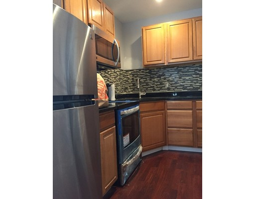 Additional photo for property listing at 672 East Broadway  Boston, Massachusetts 02127 Estados Unidos