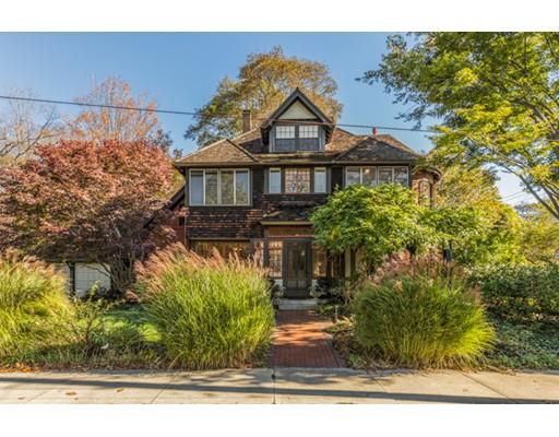 Частный односемейный дом для того Продажа на 1 Wildwood Street 1 Wildwood Street Winchester, Массачусетс 01890 Соединенные Штаты