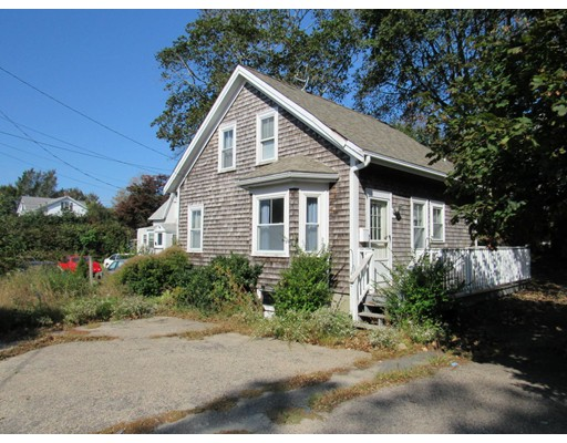 Casa Unifamiliar por un Venta en 64 South Street 64 South Street Barnstable, Massachusetts 02601 Estados Unidos