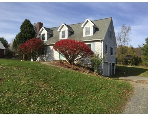 Single Family Home for Sale at 258 Strong Street 258 Strong Street Amherst, Massachusetts 01002 United States