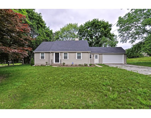 Single Family Home for Rent at 22 May Street 22 May Street North Attleboro, Massachusetts 02760 United States