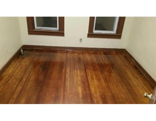 Additional photo for property listing at 436 Warren #1F 436 Warren #1F Brockton, Massachusetts 02301 États-Unis