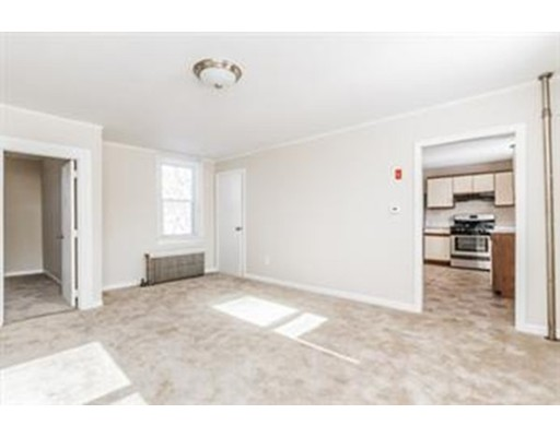 Single Family Home for Rent at 20 Primrose Hill Road 20 Primrose Hill Road Dracut, Massachusetts 01826 United States
