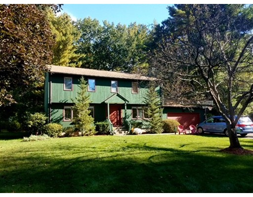 独户住宅 为 销售 在 4 Sterling Drive 4 Sterling Drive Easthampton, 马萨诸塞州 01027 美国