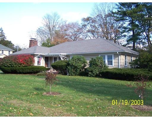 独户住宅 为 出租 在 115 North Main 115 North Main Raynham, 马萨诸塞州 02767 美国