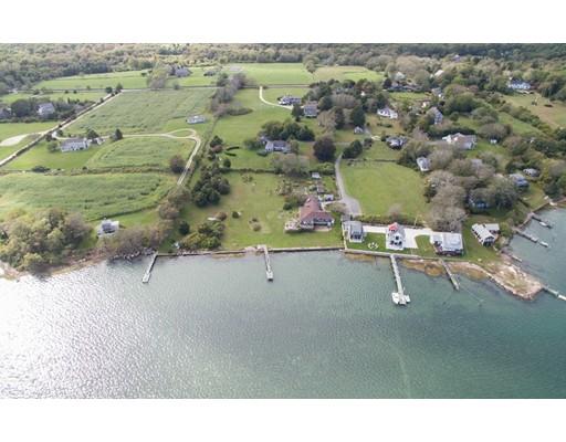 独户住宅 为 销售 在 564 River Road 564 River Road Westport, 马萨诸塞州 02790 美国