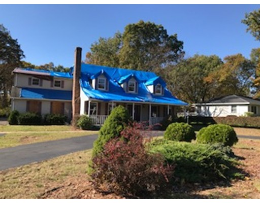 独户住宅 为 销售 在 5 Plainville Circle South Hadley, 马萨诸塞州 01075 美国