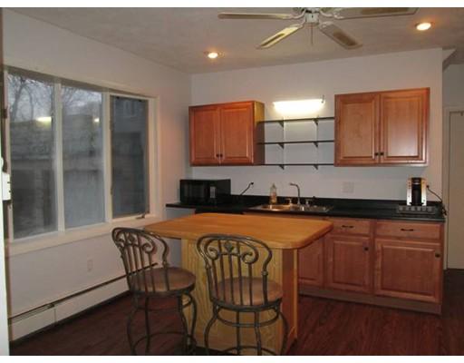 Casa Unifamiliar por un Alquiler en 14 George Street Malden, Massachusetts 02148 Estados Unidos