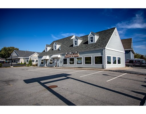 Commercial pour l Vente à 120 Water Street 120 Water Street Danvers, Massachusetts 01923 États-Unis