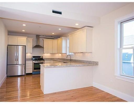独户住宅 为 出租 在 65 Summer Street Somerville, 马萨诸塞州 02143 美国