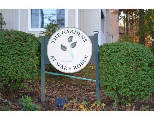 شقة بعمارة للـ Sale في 7 Wake Robin Road 7 Wake Robin Road Lincoln, Rhode Island 02865 United States