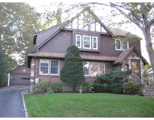 Частный односемейный дом для того Аренда на 22 Ivy Rd. #22 22 Ivy Rd. #22 Belmont, Массачусетс 02478 Соединенные Штаты