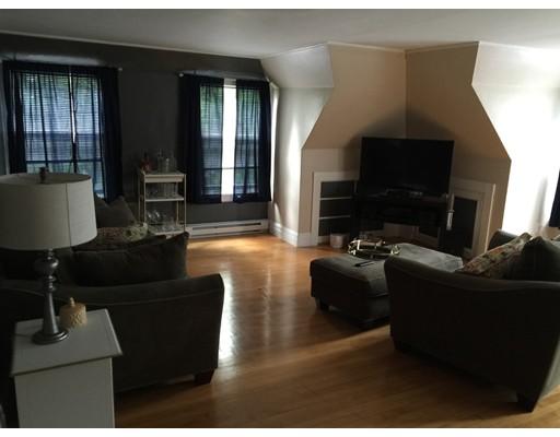独户住宅 为 出租 在 7 Fairfax Road 米尔顿, 马萨诸塞州 02186 美国