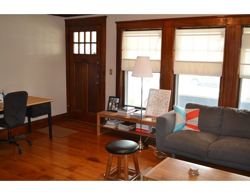 Additional photo for property listing at 943 Broadway Street  Somerville, Massachusetts 02145 Estados Unidos