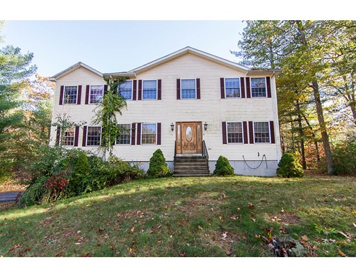 Single Family Home for Sale at 14 Smith Hill Way 14 Smith Hill Way Douglas, Massachusetts 01516 United States