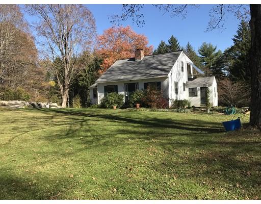 Casa Unifamiliar por un Alquiler en 25 Montague Road #1 25 Montague Road #1 Leverett, Massachusetts 01054 Estados Unidos