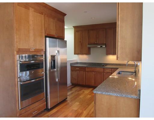 Casa Unifamiliar por un Alquiler en 150 Adams Street Newton, Massachusetts 02458 Estados Unidos