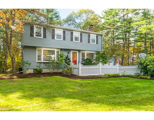 13 Rocky Ln, Medfield, MA 02052
