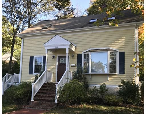 独户住宅 为 销售 在 151 Weston Road 151 Weston Road 韦尔茨利, 马萨诸塞州 02482 美国