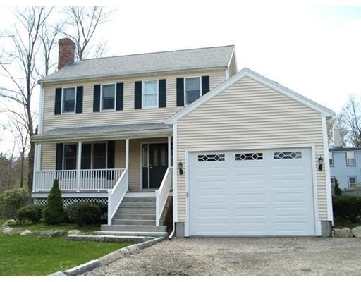 Частный односемейный дом для того Аренда на 12 East Washington Street 12 East Washington Street Hanson, Массачусетс 02341 Соединенные Штаты