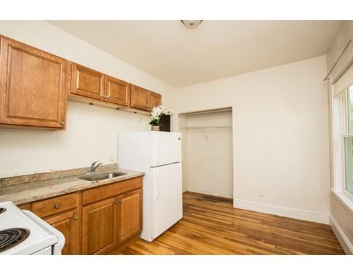 Casa Unifamiliar por un Alquiler en 352 Boston Avenue Medford, Massachusetts 02155 Estados Unidos