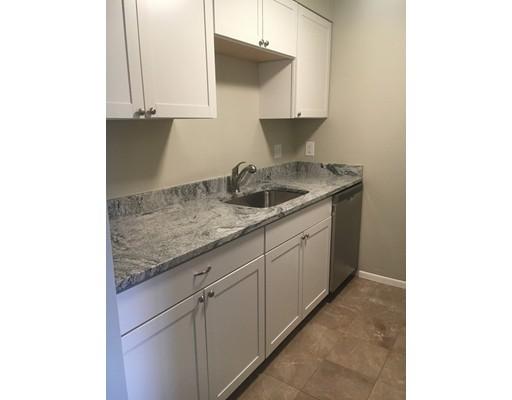 共管式独立产权公寓 为 销售 在 180 Main 180 Main Bridgewater, 马萨诸塞州 02324 美国