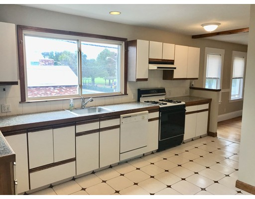 Additional photo for property listing at 77 2nd St #2 77 2nd St #2 Medford, Массачусетс 02155 Соединенные Штаты