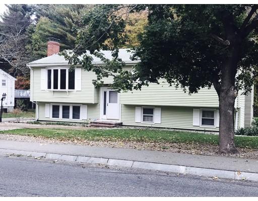 独户住宅 为 销售 在 1462 South Street 1462 South Street Bridgewater, 马萨诸塞州 02324 美国