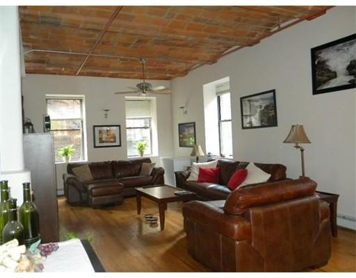 Single Family Home for Rent at 717 Atlantic Avenue Boston, Massachusetts 02111 United States