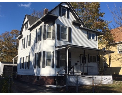 Casa Unifamiliar por un Venta en 878 Carew Street Springfield, Massachusetts 01104 Estados Unidos