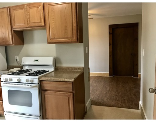 多户住宅 为 销售 在 43 Wall Street 43 Wall Street Bridgewater, 马萨诸塞州 02324 美国